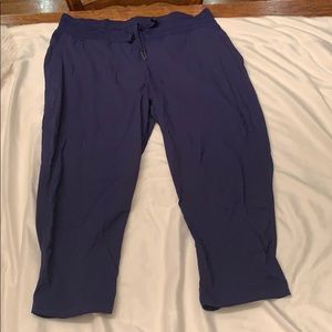 Lululemon crop studio pants